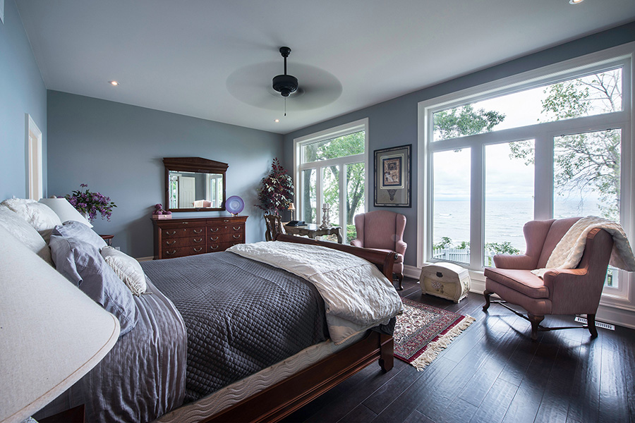 Smart Real Estate Photographer from Niagara